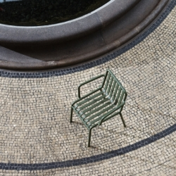 Chaise Hay avec accoudoirs PALISSADE