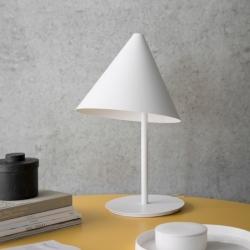 Lampe à poser Menu CONIC TABLE LAMP
