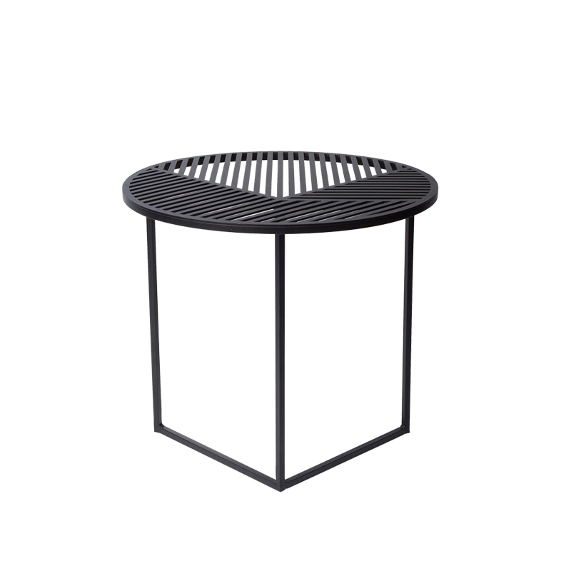 Table Dappoint Guéridon Iso A Ronde Petite Friture Silvera