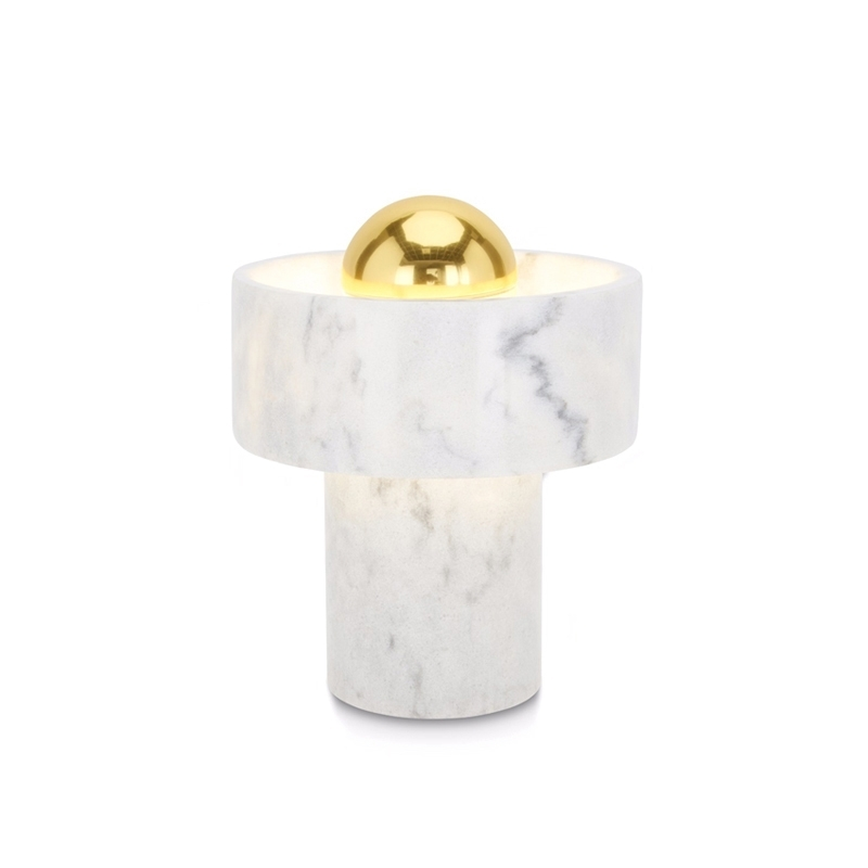 lampe tom dixon beat light multipoint pendant with lampe tom dixon latest tom dixon mirror. Black Bedroom Furniture Sets. Home Design Ideas