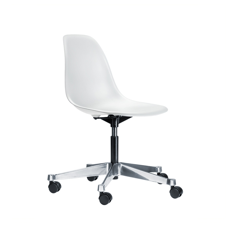 eames plastic side chair pscc sur roulettes fauteuil de bureau vitra. Black Bedroom Furniture Sets. Home Design Ideas