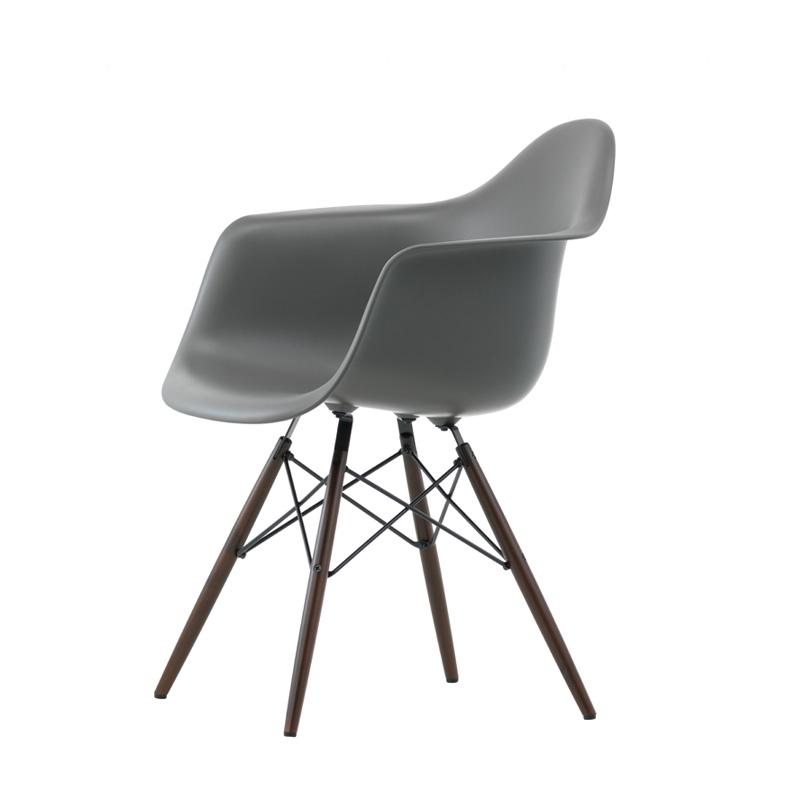 eames fauteuil EAMES PLASTIC ARMCHAIR DAW pieds érable foncé H43