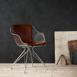 Petit Fauteuil Overgaard & dyrman WIRE DINING CHAIR